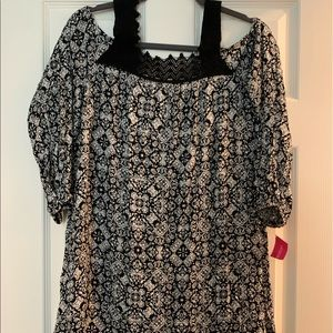 Xhilaration black&White aztec dress